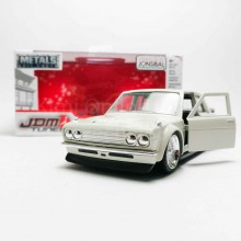 Jada 1:32 JDM Tuners Die-Cast 1973 Datsun 510 Widebody Car White Model Collection