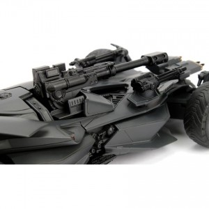 Jada 1:24 Die-Cast 2017 Justice League Batmobile & Batman Car Model Collection