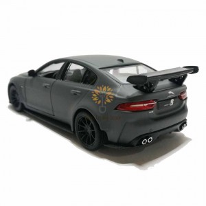 Kinsmart 1:38 Die-cast Jaguar XE SV Project 8 Car Model with Box Collection Pull Back