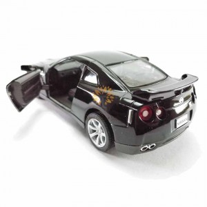 Kinsmart 1:36 Die-cast 2009 Nissan GT-R R35 Car Model with Box Collection Toy