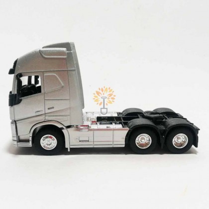 Welly 1:64 Die-cast Volvo FH Truck 6 x 4 Wheel Silver Model with Box Collection New Gift