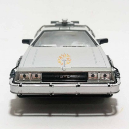 Welly 1:24 Die-cast Back To The Future I Time Future Car Model Silver with Box Collection Christmas New Gift
