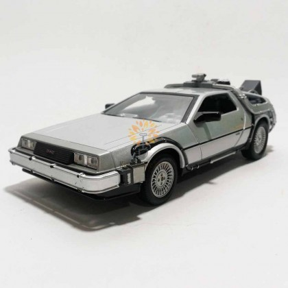 Welly 1:24 Die-cast Back To The Future II Time Future Car Model Silver with Box Collection Christmas New Gift