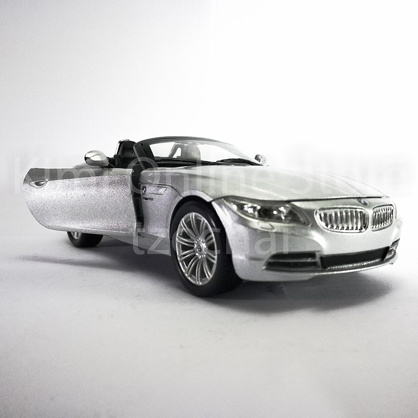 Newray 1:24 Die-cast BMW Z4 Silver Color Model Collection Christmas Gift New