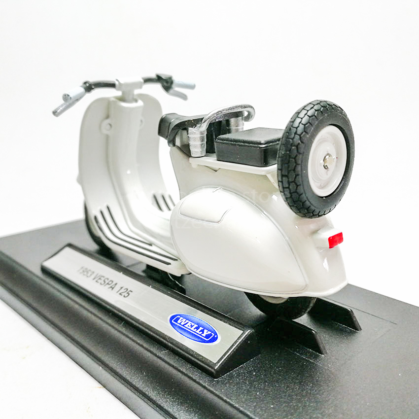 Welly 1:18 Die-cast 1953 Vespa 125 Scooter Motorcycle White Model with Box Collection