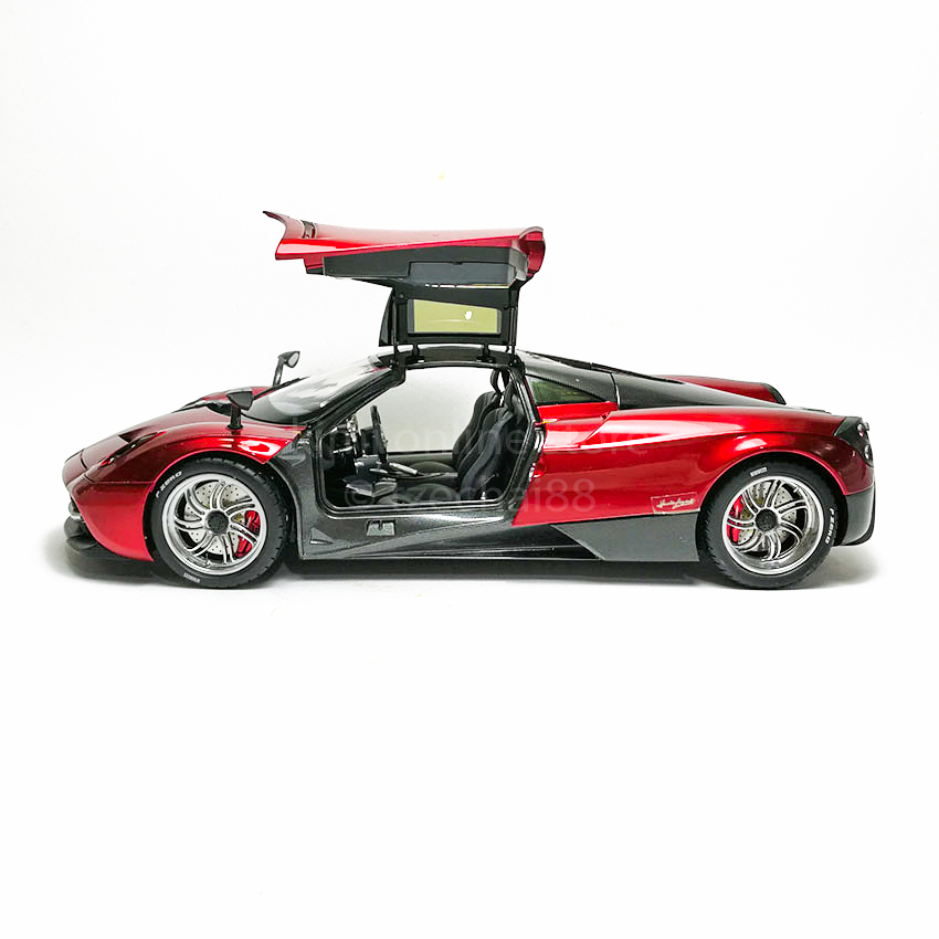 GT AUTOS Die Guten Modelle 1:18 Die-cast Pagani Huayra Red Model with Box Collection