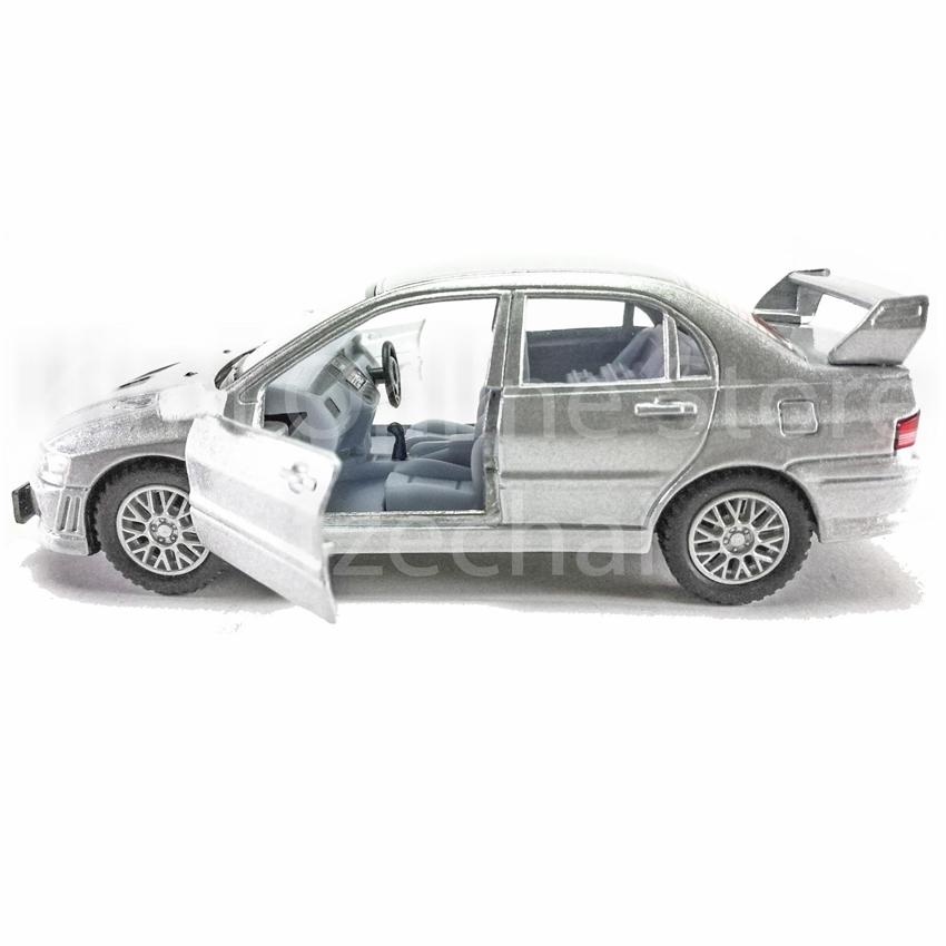 Silver Mitsubishi Lancer: Kinsmart 1:36 Die-cast Mitsubishi Lancer Evolution VII Car